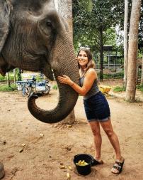 Amanda Cacilhas with an elephant
